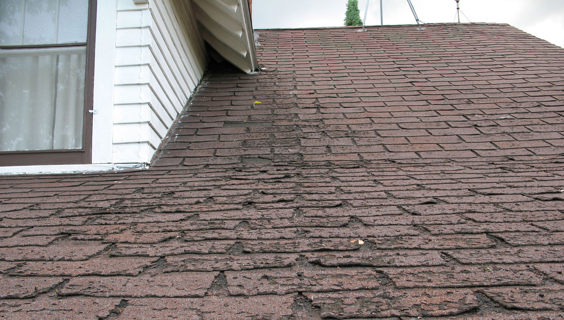 When Should You Replace Your Roof Longview Contracting